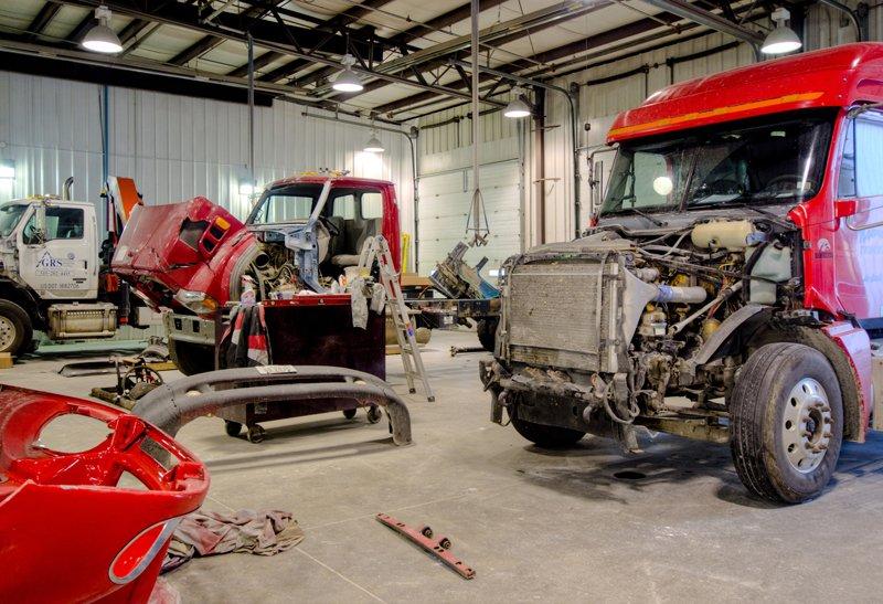 Emergency Truck Repair Mechanic Shop Long Island Manto Truck